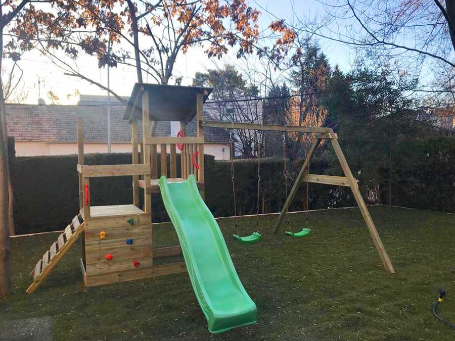 El jardín para niños en la escuela infantil
