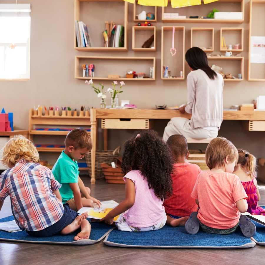 qué es la pedagogía montessori - Profesor como guía y supervisor